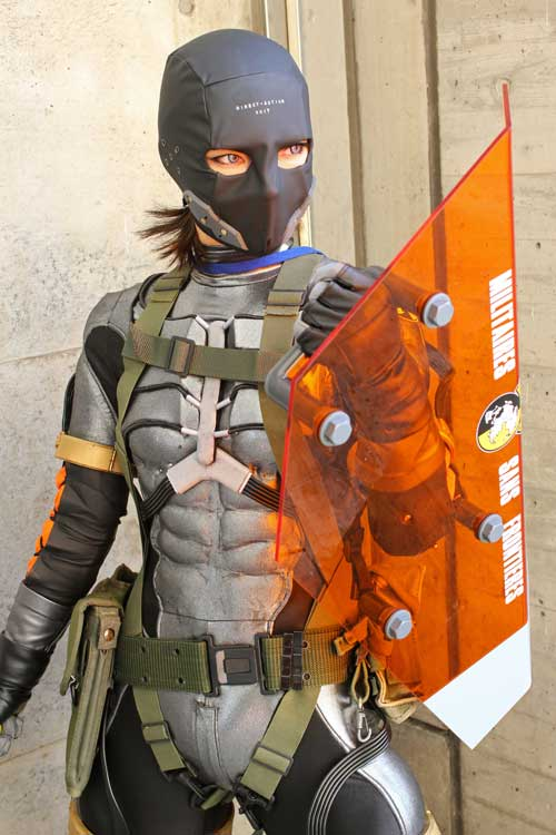 Chica Cosplay Metal Gear Solid